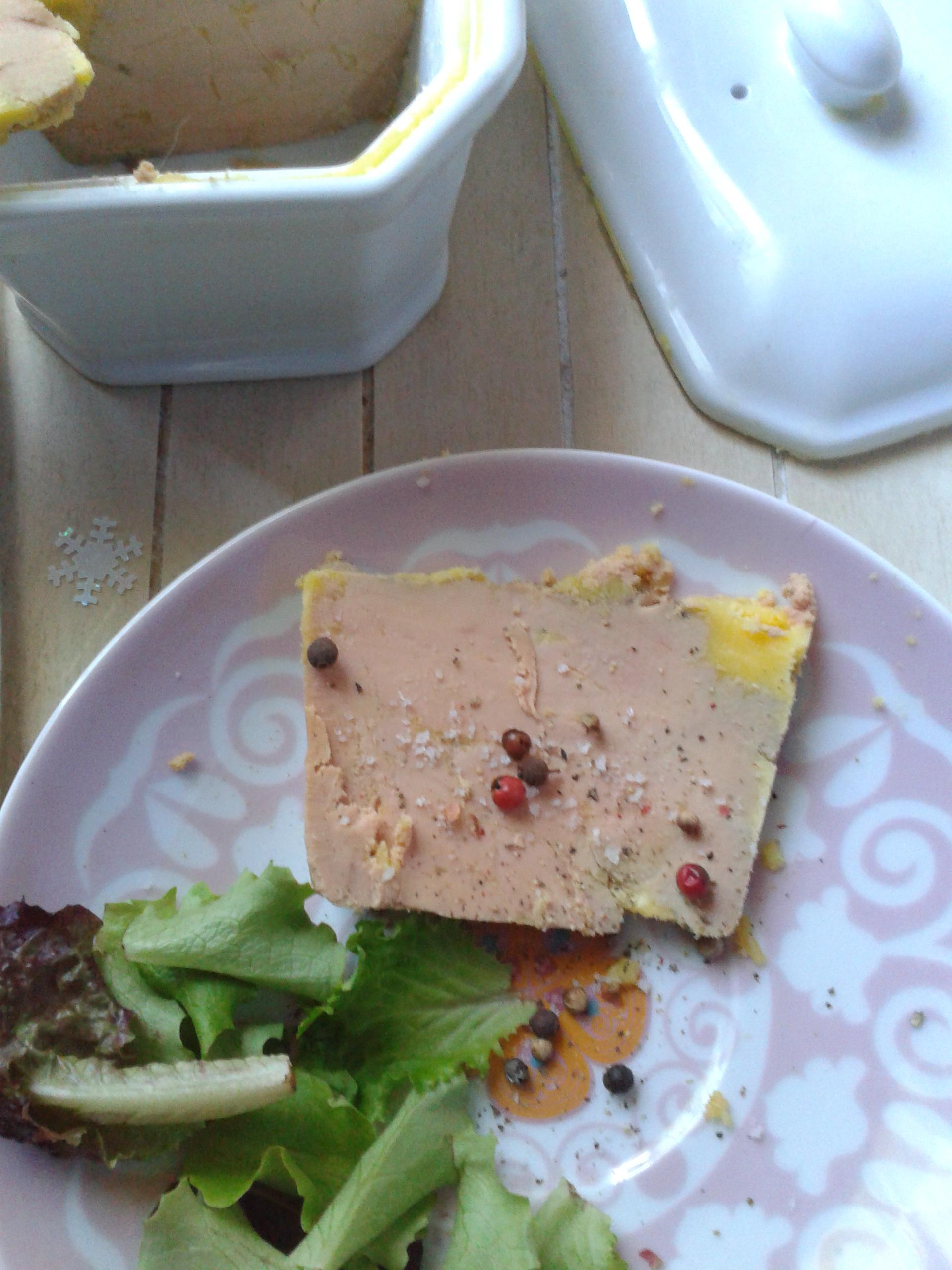Terrine de foie gras au floc de gascogne la cuisine de bulle - Cuisiner le foie gras frais ...
