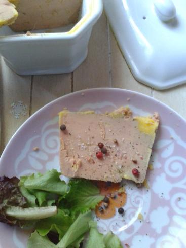 Terrine de foie gras au floc de gascogne la cuisine de bulle - Cuisiner un foie gras frais ...