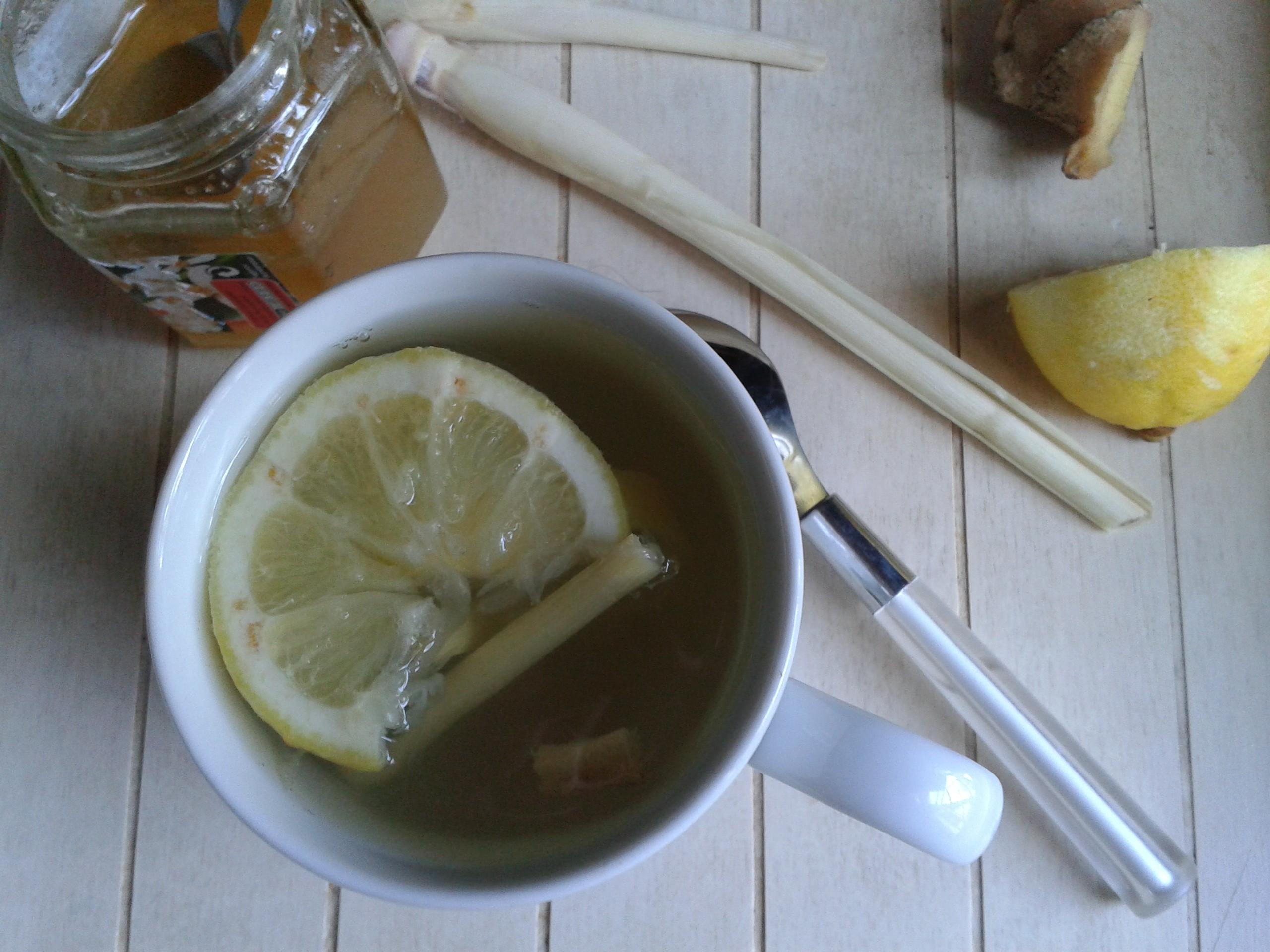 infusion de gingembre citron et citronnelle bulle en cuisine. Black Bedroom Furniture Sets. Home Design Ideas