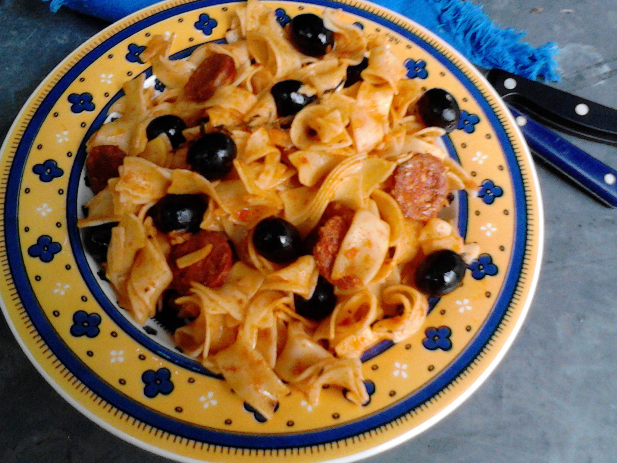 P tes l espagnole sauce tomate et chorizo la cuisine for Sauce tomate cuisinee