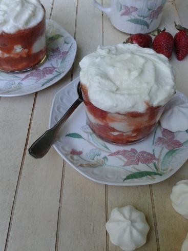 trifle fraise-rhubarbe 1 (1)