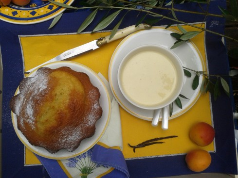 biscuit tiède à l'huile d'olive et sa crème vanille huile d'olive