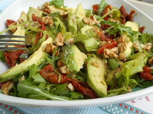 salade avocat noix roquette tomates séchées 1