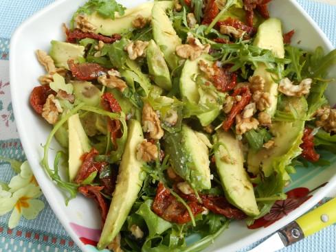 salade avocat noix roquette tomates séchées 2