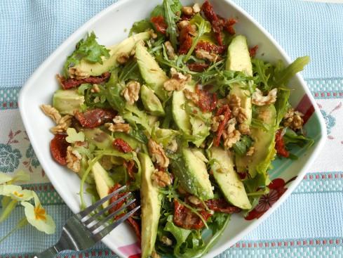 salade avocat noix roquette tomates séchées