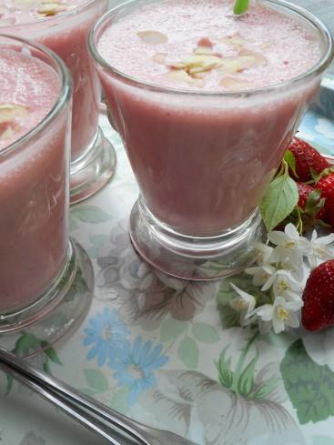 Smoothie fraises amandes 3