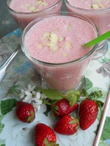 Smoothie fraises amandes 4